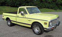 old pickup trucks Pickup Trucks For Sale, Jeep Pickup Truck, Classic Pickup Trucks, Chevy Pickup Trucks, Gm Trucks, Chevy Pickups, Chevrolet Trucks, Cool Trucks, Pickup Camper