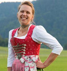 GwandundTracht mit der Schneidermeisterin Anna Haibel - eine Maßschneiderei für klassische Dirndl, Spenzer, Mieder und Trachten