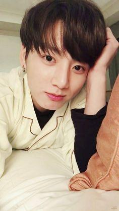 #wattpad #hayran-kurgu Jeon Jungkook, aşık birisiydi. Min Yoongi, yavşak. Namjin&Vmin