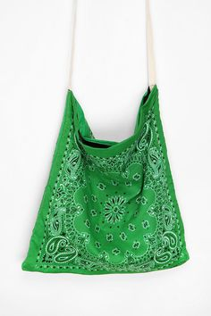 Bandana Tote Bag - This would be really easy and cool to make!