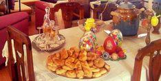 Κουλουράκια της Λαμπρής… από την Αλεξάνδρα Σουλαδάκη http://www.donna.gr/17178/koulourakia-tis-lampris-apo-tin-alexandra-souladaki/  Βρισκόμαστε στην Μεγάλη εβδομάδα και προχωρούμε φθάνοντας το Άγιο Πάσχα… Ακόμη κι εκείνοι που δεν νήστεψαν την Σαρακοστή, την Μεγάλη εβδομάδα νηστεύουν, έτσι, στ�