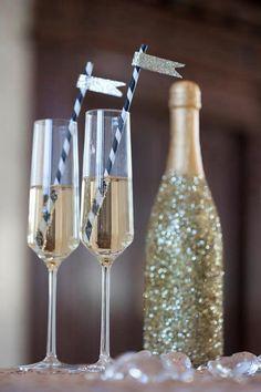 Pretty glitter champagne bottle + DIY straws.