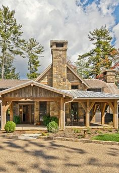 46 Best Ideas House Ideas Exterior Rustic Country Living - Home & DIY Rustic Houses Exterior, Exterior Shutters, Wood Shutters, Wood Siding, Mountain Cottage, Lake Mountain, H & M Home, House Entrance, House Front