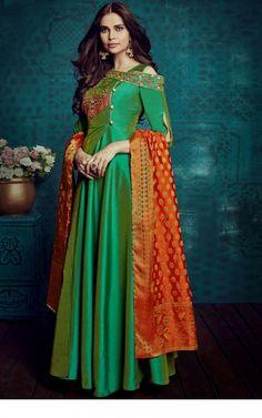 Wide Tapeta Silk Designer Anarkali Suit in Green With Dupatta Robe Anarkali, Costumes Anarkali, Silk Anarkali Suits, Anarkali Bridal, Indian Anarkali, Lehenga, Designer Anarkali, Designer Gowns, Indian Designer Wear