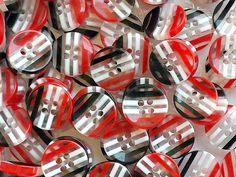 10 Red Black and White Resin Buttons - Striped Buttons - Pattern- Round Buttons - Sewing Buttons Pepsi Logo, Round Button, Red Black, Black And White, Button Flowers, Logo Color, Sewing A Button, Rainbow Colors, Different Colors