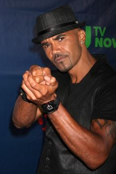 Criminal Minds Star Shemar Moore Lets You Follow Him On His New Blog