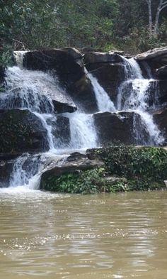 Cachoeiras geladas aguardam os turistas no Lago Corumbá e no Parque Estadual da Serra de Caldas Novas (Pescan). Caldas Novas, Goiás, Brasil.  Fotografia: Agetur.                                                                                                                                                                                 Mais
