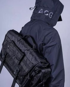Foxbat / 'LEGAL ARMED' Techbag system<br><br>#utw #techwear #legalarmed #molle #techbag #foxbat #urbantechwear