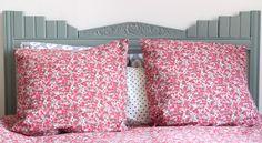 Couture et turbulences : tête de lit à partir d'un devant d'armoire retourné