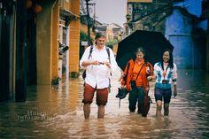 Hoi An's flood http://hoianfoodtour.com/top-7-activities-in-flooding-days/ #hoianflood #hoian #vietnam