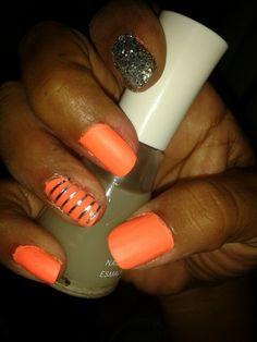 Neon#nailswag #nailsart #nails #colors #polish #beauty #nail