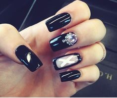 We spied Hannah from our Buying team rocking some amazing new nails! X #Missguided #Nails #Beauty #Black #Love