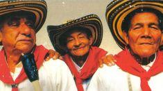 Cumbia es el estilo de música que comenzó en la Costa Caribe de Colombia. Muchos Latinos creen que cumbia es el corazón de América Latina. En la foto, Los Gaiteros De San Jacinto han jugado la música cumbia tradicional desde 1940.
