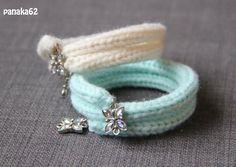 Bracelet en Tricotin - Plus Bracelet Crochet, Beaded Bracelets, Small Crochet Gifts, Cute Friendship Bracelets, Finger Crochet, Spool Knitting, Loom Craft, Bijoux Diy, Handmade Jewelry