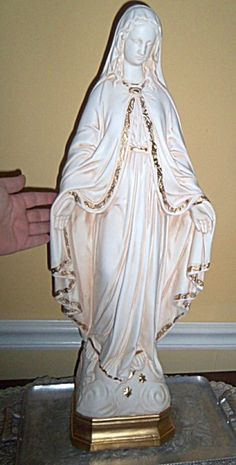 Highly detailed plaster statue approx. 2 feet tall and in excellent condition.  Our Lady of Miracles, Mother Mary, Our Lady of the Miraculous Medal, Virgin Mary, Garden Statue, Antique Finish.  Approx. 15 pounds.