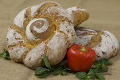 #pane #peperoni #mentaLa ricetta di Pasticceria Internazionale su http://www.pasticceriaextra.it/item/2015-sole-rosso-pane-con-peperoni-e-menta.html