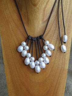 A girl certainly feels like a queen dressed in one of Lee Byers beautiful leather and pearl creations. Lee's hand crafted jewelry is fashioned from cultured, freshwater pearls.  I loved this shop when I visited Highlands last year.