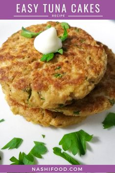 These easy tuna cakes that will be ready in just 15 minutes, pretty neat when you need to prepare a quick dinner! Tuna Cakes Easy, Tuna Fish Cakes, Tuna Fish Recipes, Canned Tuna Recipes, Fish Cakes Recipe, Salmon Recipes, Cooking Recipes, Healthy Recipes, Tuna Meals