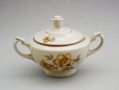 Arabia, sokerikko, Myrna, Olga Osol Things To Buy, Stuff To Buy, Early Morning, Earthenware, Finland, Tea Pots, Nostalgia, Porcelain, Vogue