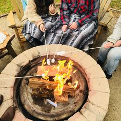 It wouldn't be a proper #Saturday without a #campfire & s'mores! Just add in your closest friends & a highway west destination. #MyHWVMoment  📍Safari Tent Village — at Flying Flags RV Resort & Campground.