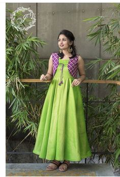 Indian gowns dresses 45 Trendy Ideas for dress indian ikkat Building A Garden Fence They are privacy Long Dress Design, Dress Neck Designs, Designs For Dresses, Dresses Elegant, Trendy Dresses, Long Gown Dress, The Dress, Frock Dress, Indian Designer Outfits