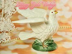 Dove Figurine, White Dove Figurine, Vintage Porcelain Peace Dove Figurine by A Price of Japan, Vintage Love Dove Figurine Gift for Wedding