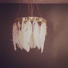 Feather Chandelier/ Mobile par ShopVintageSparkle sur Etsy