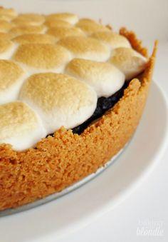Smores Brownie Pie - Baking with Blondie Sweet Desserts, No Bake Desserts, Just Desserts, Delicious Desserts, Yummy Food, Pie Recipes, Sweet Recipes, Dessert Recipes, Yummy Treats