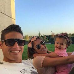 James en familia