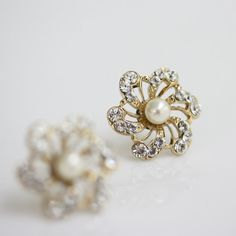 Gold Bridal earrings,  Flower Stud Earrings, Ivory Pearl Earrings, Wedding Jewelry, SABINE Stud