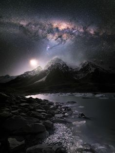 Milky Way, spectacular night sky in New Zealand - The Space Beautiful Sky, Beautiful Landscapes, Beautiful World, Beautiful Places, Photo Ciel, Landscape Photography, Nature Photography, Night Photography, Landscape Photos