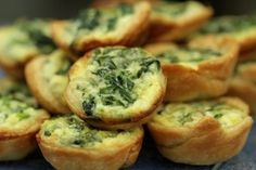 Ranking the best wedding passed appetizers Mini quiche Mini Quiches, Wedding Hors D'oeuvres, Wedding Appetizers, Wedding Catering, Wedding Reception, Rustic Wedding, Wedding Venues, Fall Appetizers, Delicious Appetizers
