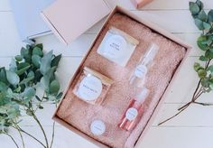 A Pair & A Spare | DIY Gift: Natural Beauty Kit (With Printable Labels!)