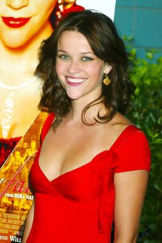 A brunette Reese Witherspoon