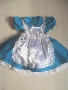 FAntasia Luxo de Alice no Pais das Maravilhas. Produzidas nos tamanhos 1, 2, 4, 6 e 8 anos R$ 110,00