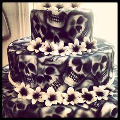 Skull Cake, beautiful air-brushing!