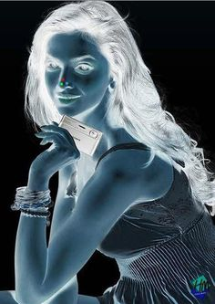 Check out Who's That Girl from 10 Cool Optical Illusions
