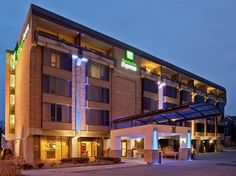 Birmingham (MI) Holiday Inn Express Detroit-Birmingham United States, North America Ideally located in the prime touristic area of Birmingham, Holiday Inn Express Detroit-Birmingham promises a relaxing and wonderful visit. The hotel offers a wide range of amenities and perks to ensure you have a great time. All the necessary facilities, including free Wi-Fi in all rooms, 24-hour front desk, facilities for disabled guests, meeting facilities, business center, are at hand. Guest...
