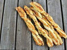 ŽENA-IN - Mozzarella tyčinky se sušenými rajčaty Czech Recipes, Russian Recipes, Recipe Scrapbook, Food Inspiration, Bacon, Food And Drink, Snacks, Vegetables, Cooking