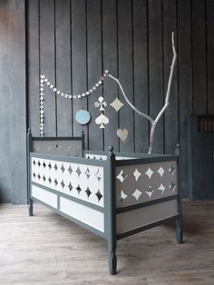 great crib. I wonder how you can make your own crib and have it be safe for baby?