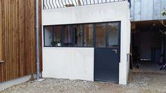 Verrière et porte style atelier, pour buanderie extérieure.