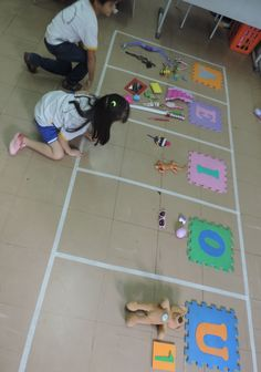 Fun Activities For Kids E Learning, Toddler Learning Activities, Fun Activities For Kids, Therapy Activities, Vowel Activities, Alphabet Activities, Classroom Activities, Preschool Crafts, Crafts For Kids
