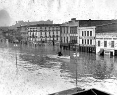 The flood of 1937 wreaked havoc on Evansville, leaving 400 families homeless. Evansville Indiana, Holiday World, Indiana State, South Bend, Places Of Interest, Old Pictures, Illinois, History, City