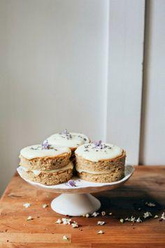 Hummingbird High: Lemon, Lavender and Earl Grey Mini Cakes and Petit Fours breakfast, brunch, dessert Baking Recipes, Cake Recipes, Dessert Recipes, Salad Recipes, Yummy Treats, Sweet Treats, Yummy Food, Mini Cakes, Cupcake Cakes