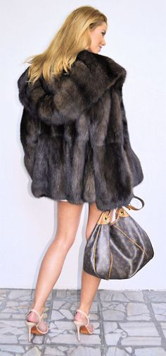 OUTLET RUSSIAN BARGUSIN SABLE FUR - beautful coat, i'll have to find it in Faux