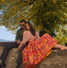 Pre Wedding Poses, Wedding Shot, Bollywood Celebrities, Bollywood Actress, Boho Fashion, Fashion Dresses, Bollywood Outfits, Aiman Khan, Sara Ali Khan