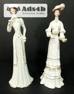 Par de bonecas (Ladies antigas)em porcelana, fabricadas em Portugal, estado novo, muito lindas e elegantes, estando conforme se apresentam nas fotos, sem qualquer defeito. Pagamento por tran...