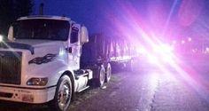El vehículo de carga se quedó accidentado y en menos de 5 minutos alrededor 40…