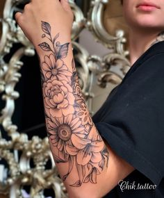 Half Sleeve Tattoos Forearm, Forarm Tattoos, Tattoos For Women Half Sleeve, Shoulder Tattoos For Women, Dope Tattoos, Best Sleeve Tattoos, Badass Tattoos, Female Tattoos, Body Art Tattoos