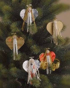 """Klammer-Engel (Idee mit Anleitung – Klick auf """"Besuchen""""!) - Kinderleicht und in wenigen Schritten gebastelt, verschönern diese Engel jeden Christbaum. Tolle Bastelidee für Kindergruppen!"""